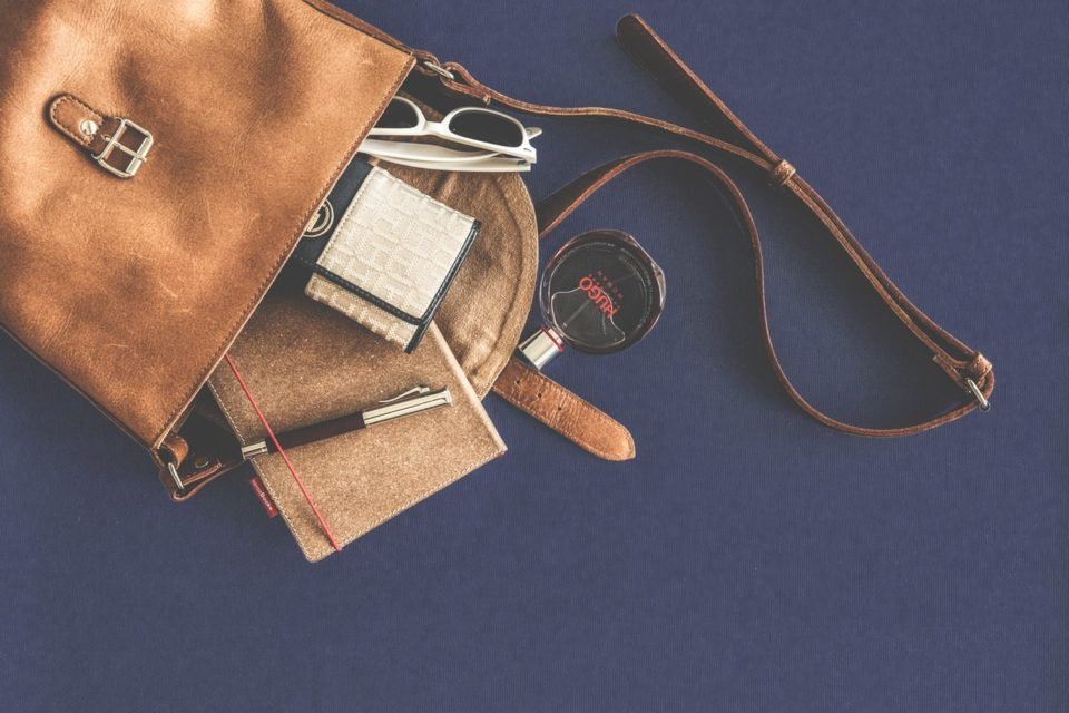 How to Make a Leather Tote Bag and a Coin Purse (Tutorial with Video)