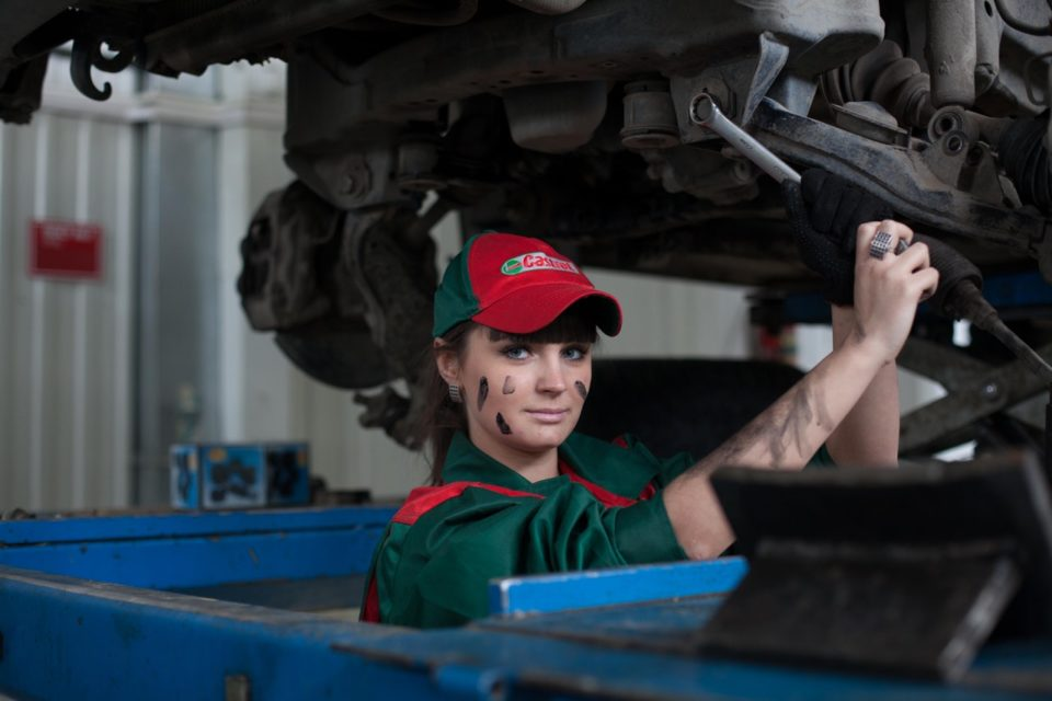 Guide for Buying Used Car Parts - Pros and Cons